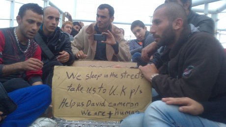 Réfugiés syriens à Calais. 2014. Source : http://pasdecalais.secours-catholique.org