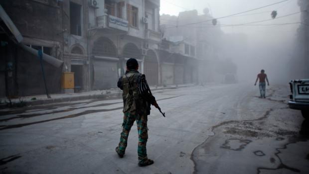 Rebelle syrien à Alep, 21 juillet 2014. Crédits : Ahmed Deeb/AFP
