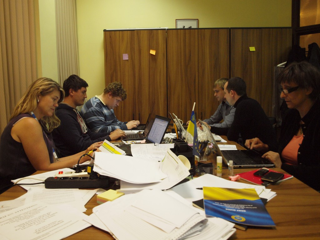 Dans les bureaux du CKU à Kiev. Crédits : Anne Rio